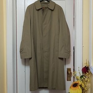 London fog Trench coat With removal Liner 40 REG